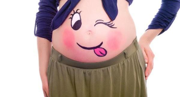 Belly Painting cos'è? Nuova tendenza tra le donne